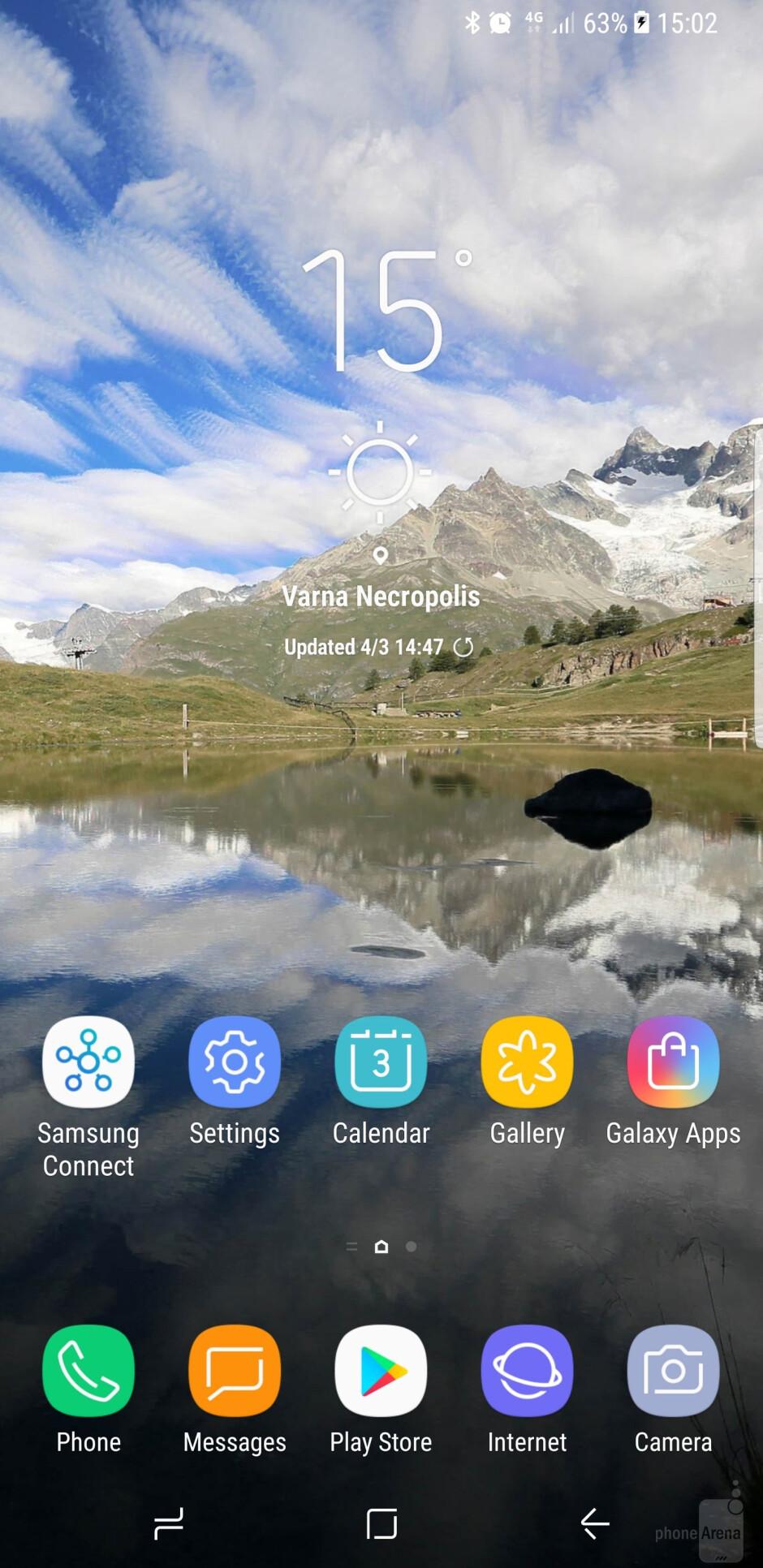 Main UI of the Galaxy S8+ - OnePlus 5 vs Samsung Galaxy S8+