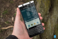 BlackBerry-KEYone-Review011.jpg