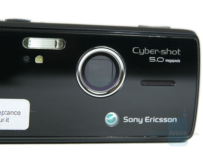 Lens cover - Sony Ericsson K850 Preview