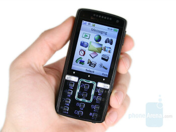 Sony Ericsson K850 in hand - Sony Ericsson K850 Preview