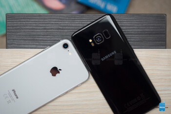 Apple iPhone 8 vs Samsung Galaxy S8
