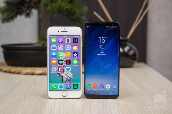 iPhone 8 y Galaxy S8 | PhoneArena.com