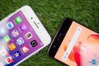 Apple-iPhone-8-vs-OnePlus-5006