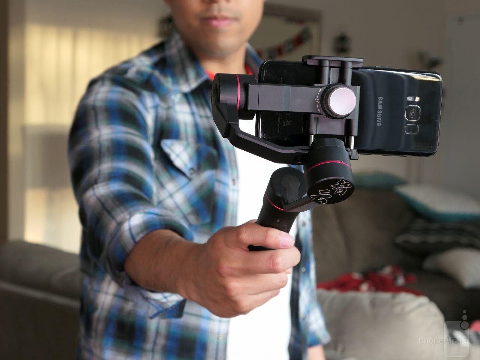 Dji Osmo Mobile Vs Feiyu Tech Spg Zhiyun Smooth 3 The Best Ii Axis Handheld Gimbal Stabilizer For Smartphones