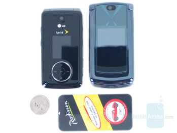 Motorola V9m (left and down) next to LG Muziq (right and up) - Motorola RAZR2 V9m Review