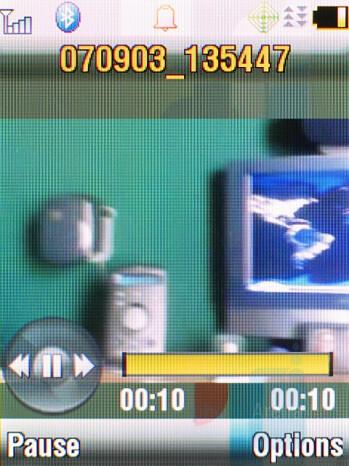 Video player - Motorola RAZR2 V9m Review