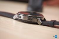 Samsung-Gear-Sport-smartwatch-Review007.jpg