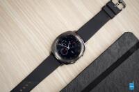 Samsung-Gear-Sport-smartwatch-Review012.jpg