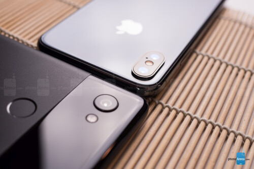 iPhone X vs Pixel 2 XL design images