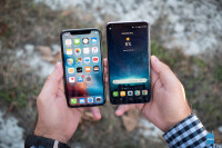Apple-iPhone-X-vs-LG-V30015