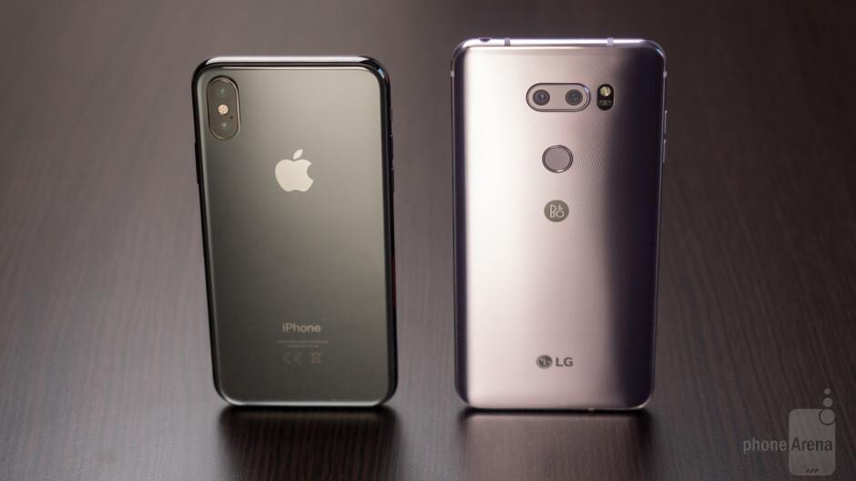 Apple iPhone X vs LG V30