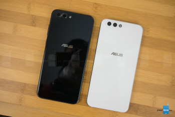 Zefone 4 in white next to the Zefone 4 Pro in blue - Asus Zenfone 4 and Zenfone 4 Pro Review