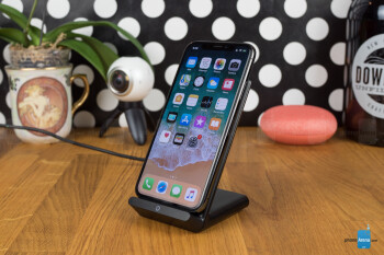 Anker PowerPort Wireless 5 Stand & Pad Review