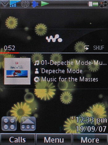 W960 Home screen with active Walkman - Sony Ericsson W960 Preview