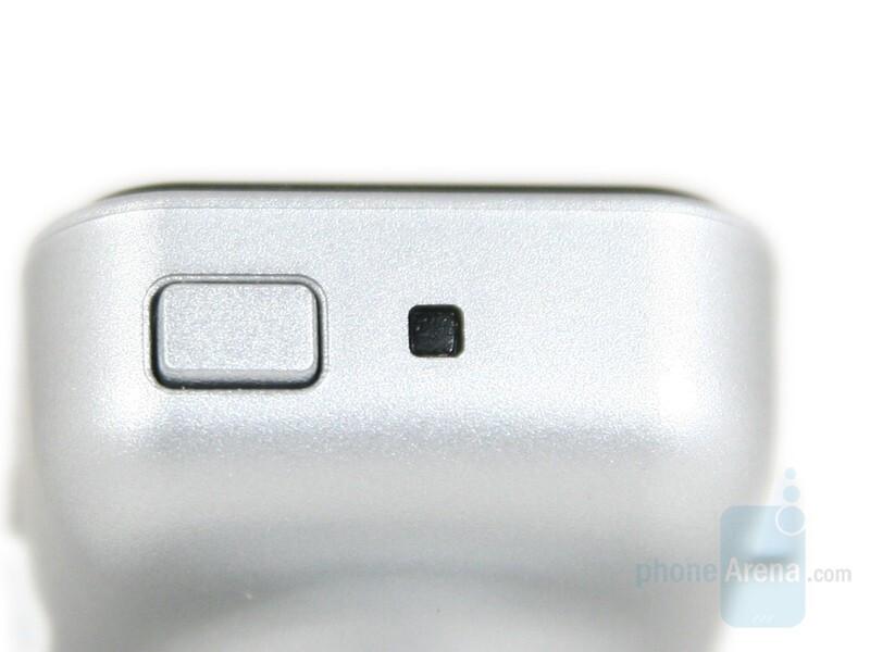 Power button - Nokia BH-700 Review