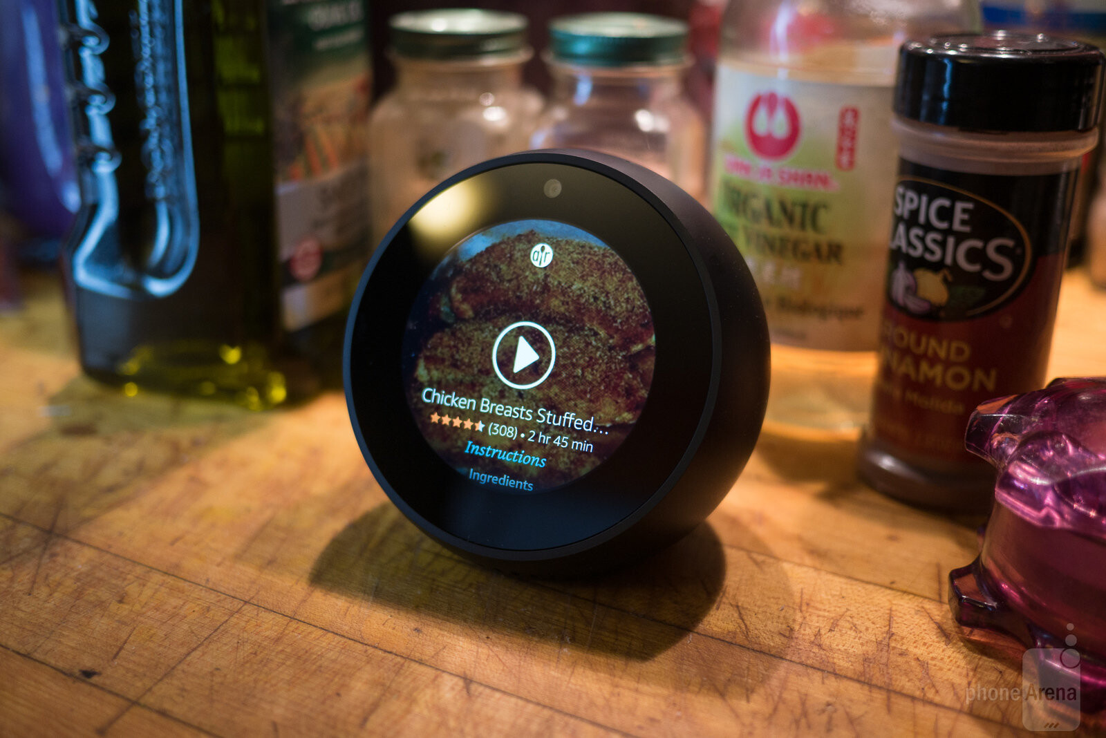 amazon echo spot review phonearena. Black Bedroom Furniture Sets. Home Design Ideas