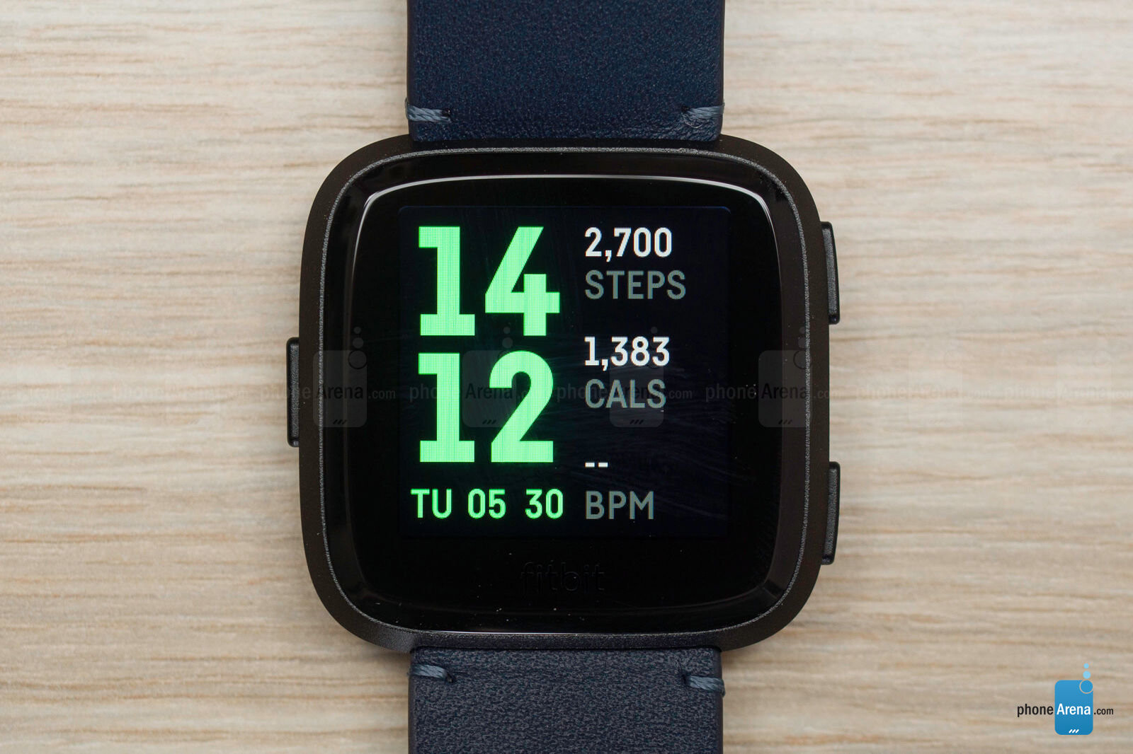 How to change fitbit versa watch face