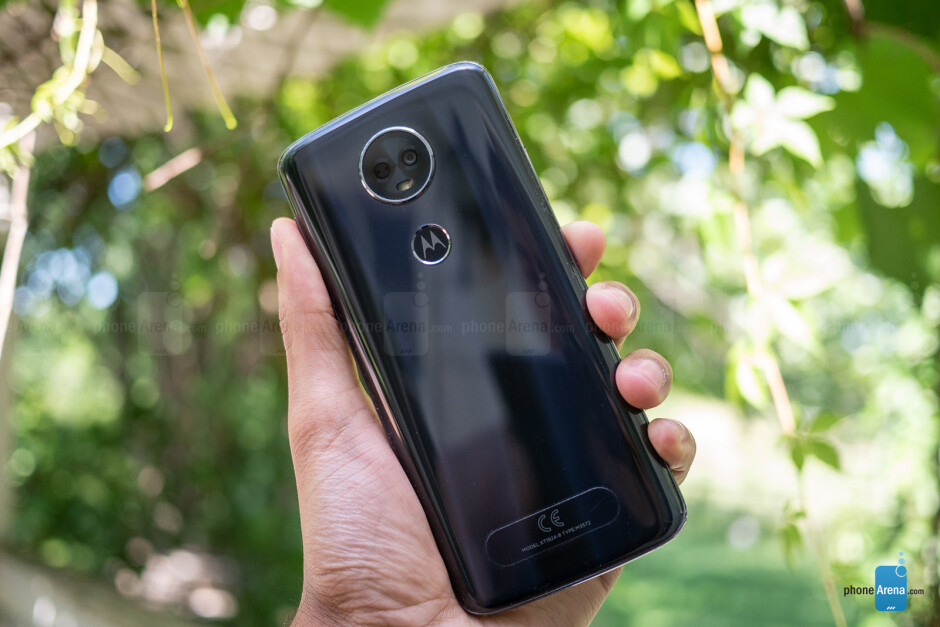Moto E5 Plus - Moto E5 Play and E5 Plus Review