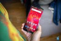 Motorola-Moto-Z3-Play-Review001.jpg