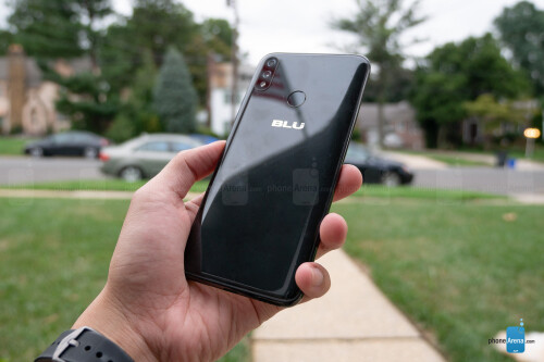 BLU Vivo XI+ Review
