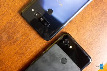 Google Pixel 3 XL vs LG V40 ThinQ