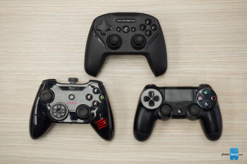 SteelSeries Stratus Duo (top), Mad Catz CTRLi (left), Sony DualShock 4 (Right) - SteelSeries Stratus Duo Review