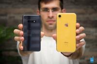 Samsung-Galaxy-S10e-vs-Apple-iPhone-XR004.jpg