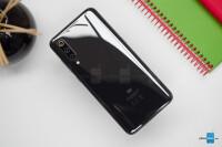 Xiaomi-Mi-9-Review005