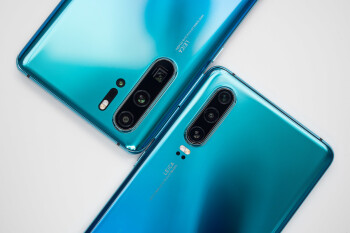 Huawei P30 Pro on the left, P30 -- on the right - Huawei P30 Review