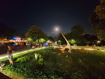 Ultra-wide lens, Night Mode ON - Samsung Galaxy Note 10+ Review