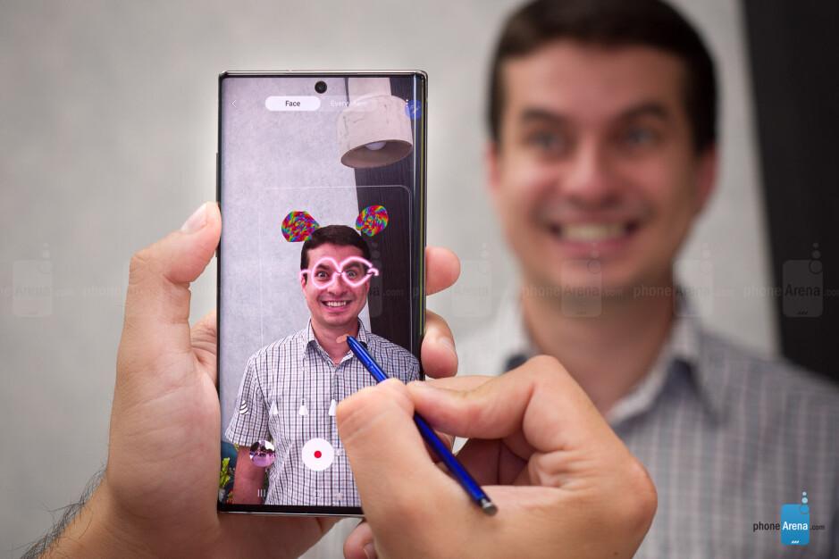 The AR Doodle camera mode - Samsung Galaxy Note 10+ vs Galaxy Note 9