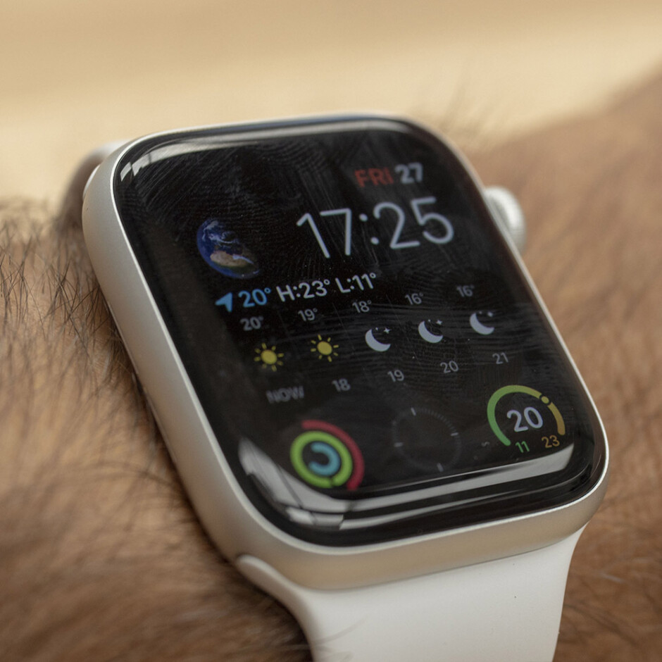 It's dimmed the rest of the time - Apple Watch Series 5 Review