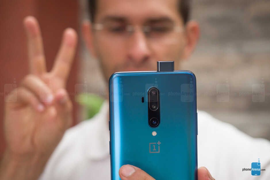 To use the face unlock you have to wait for the selfie camera to pop up - OnePlus 7T Pro Review