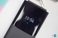 Nokia-2720-Flip-Review003