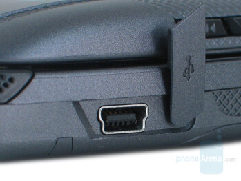 miniUSB charging port - Motorola ic902 Deluxe Review
