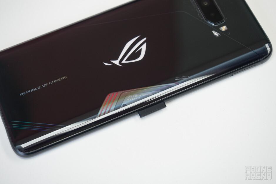 Asus ROG Phone 3 Review: Gaming Beast