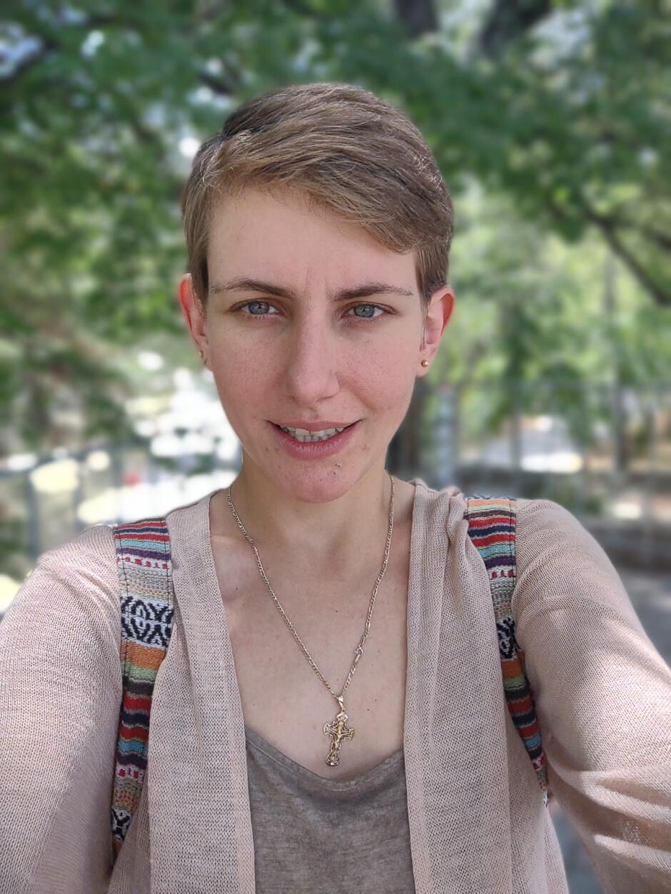 Selfie - Motorola Moto G 5G Plus review