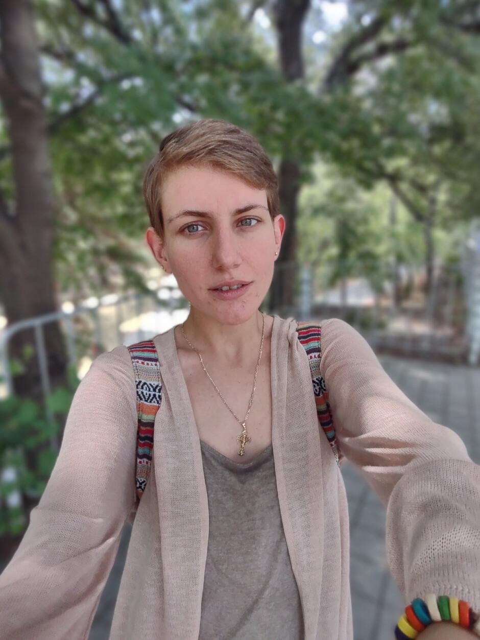 Ultra wide selfie - Motorola Moto G 5G Plus review