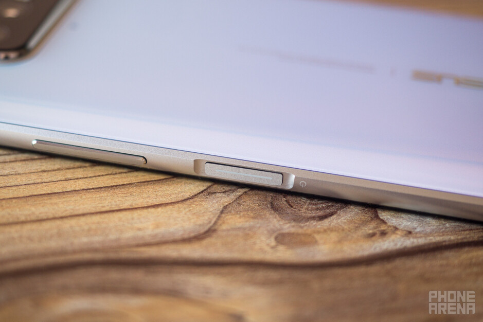 The side-mounted fingerprint scanner - Asus ZenFone 7 Pro Review