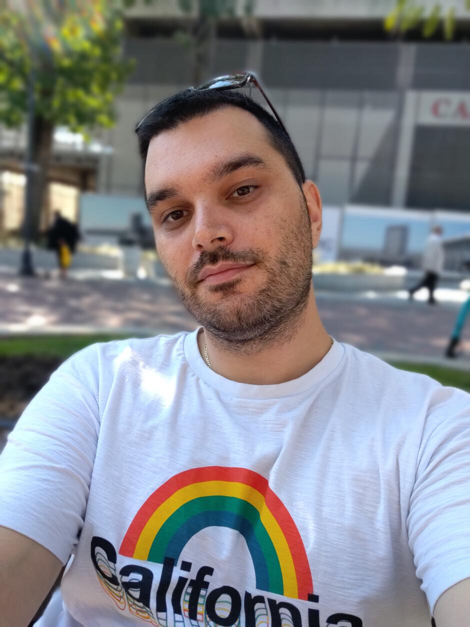 Portrait selfie - Motorola Moto G9 Plus Review