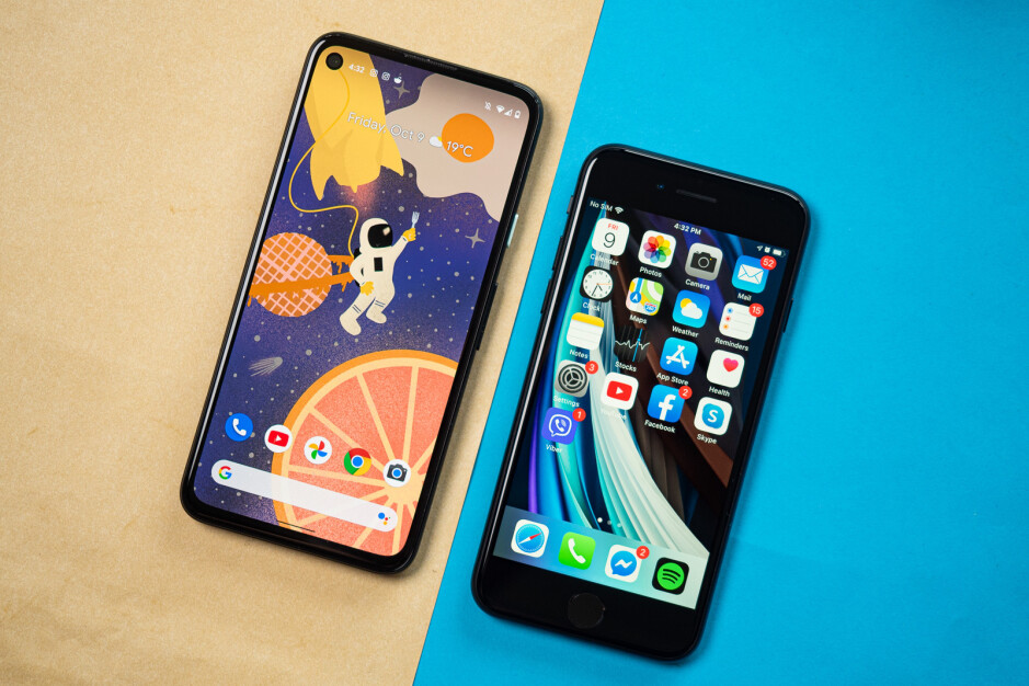 Google Pixel 4a vs Apple iPhone SE (2020)