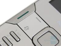 Nokia-N82-Review-Design-014