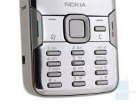 Nokia-N82-Review-Design-012
