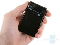 Samsung-Giorgio-Armani-Review-Design-32