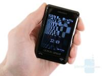 Samsung-Giorgio-Armani-Review-Design-30