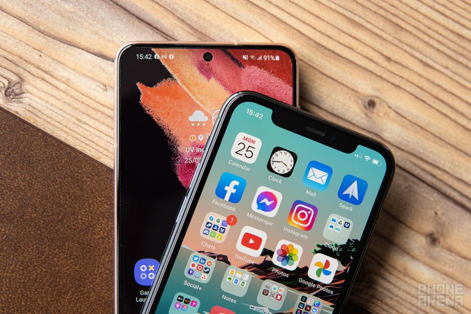 Samsung Galaxy S21 vs Apple iPhone 11 Pro