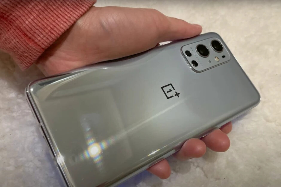OnePlus 9 leaked image, courtesy of YouTuber Dave2D - OnePlus 9 vs OnePlus 8T: early comparison