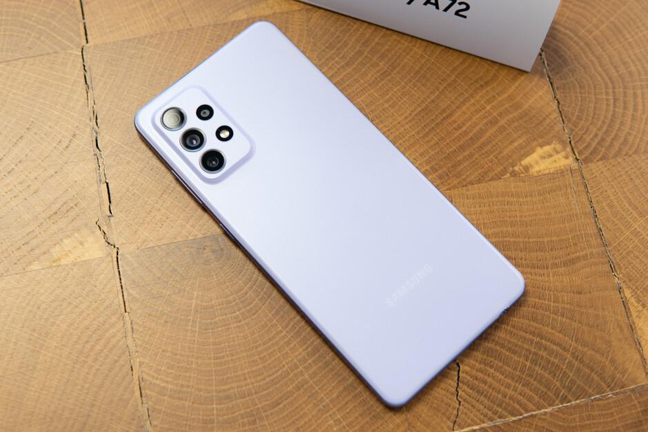 Recensione Samsung Galaxy A7272