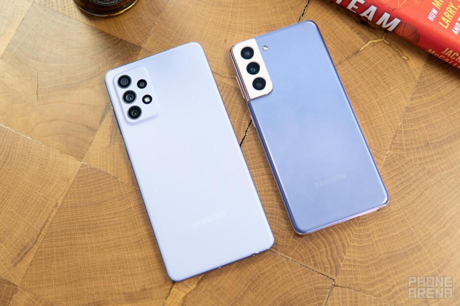 A72 a sinistra;  S21 a destra - Samsung Galaxy A72 vs Galaxy S21 5G