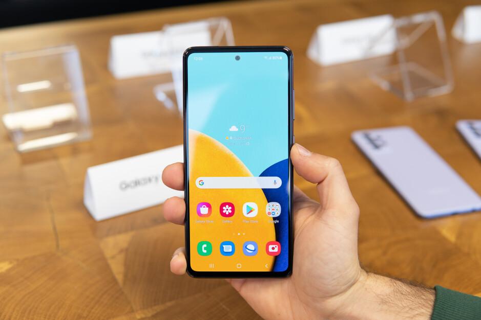 Galaxy A52 - Samsung Galaxy A52 vs Google Pixel 4a 5G